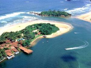 bentota-beach-oruw-haya-lanka