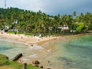 mirissa-beach-hayalanka