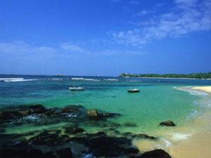 trincomale-beach-haya-lanka-srilanka